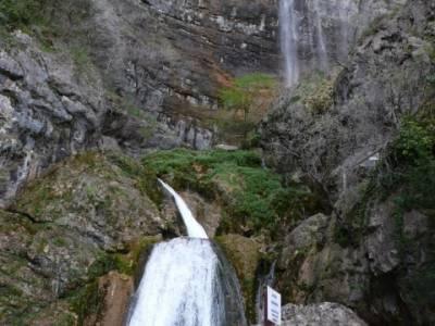Chorros Nacimiento del Río Mundo; brujulas; gente viajera; lagos de sanabria